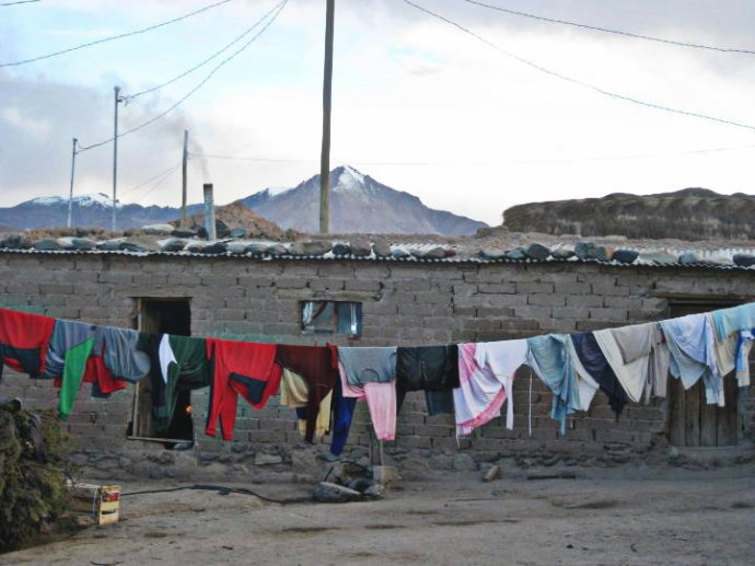 Clothesline with a view, Bolivia